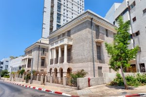 Israeli real estate transactions, historical buildings